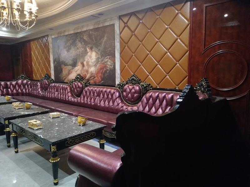 KTV沙发实木外架雕花1350元一米